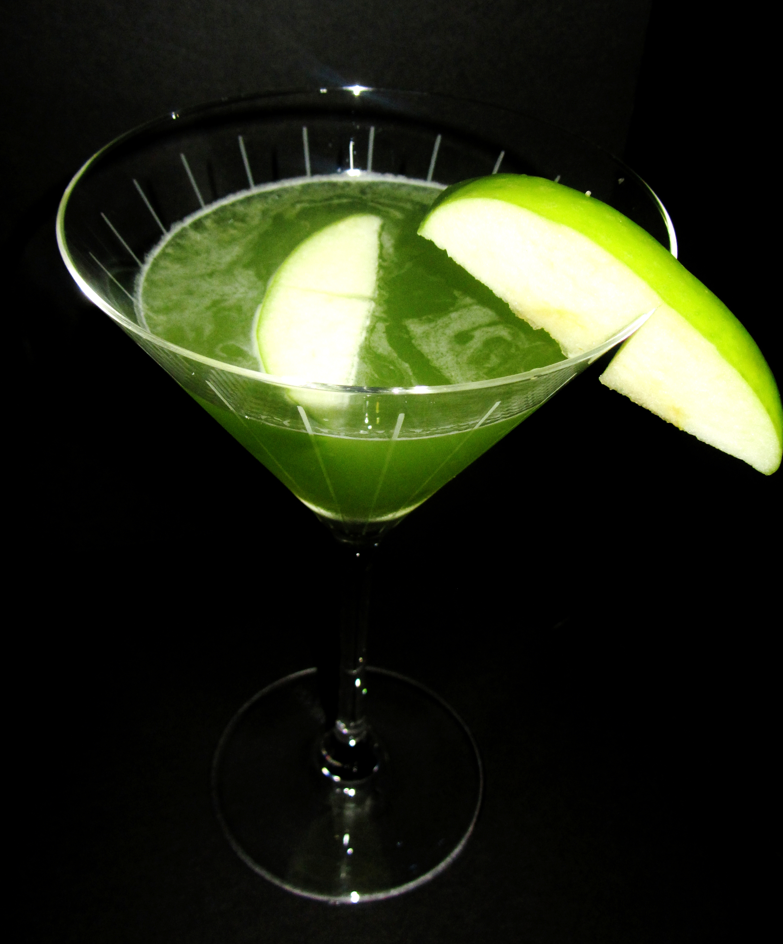 appletini isn t green appletinis close up spicy appletini appletinis ...