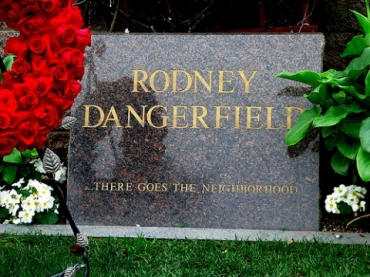 Rodney-Dangerfield-Headstone