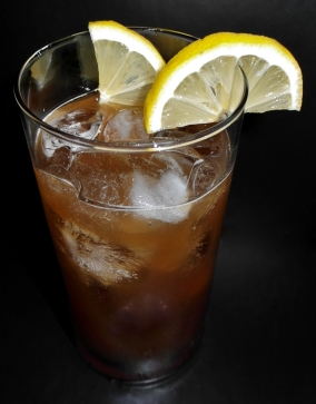 Rootbeer Fizz Cocktail