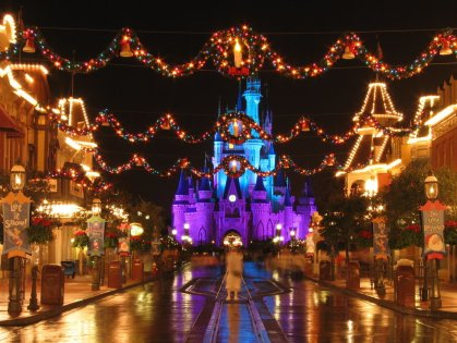 Christmas-at-Disney